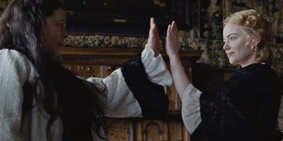 'The Favourite': Emma Stone y Rachel Weiz pelean por una reina