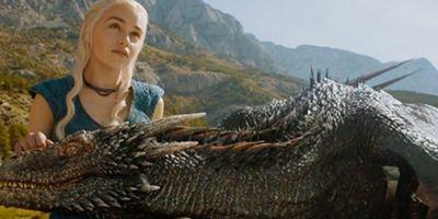 'Game of Thrones': Emilia Clarke presume su tatuaje de los tres dragones