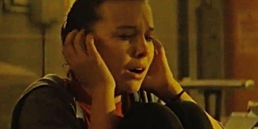 Comic Con 2018: Millie Bobby Brown pide auxilio en el clip de 'Godzilla 2'