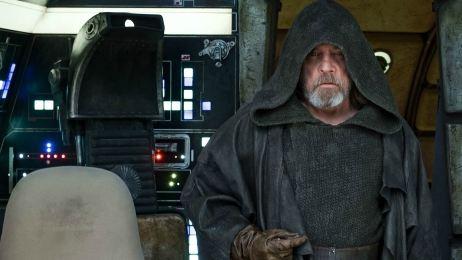VIDEO 'Star Wars: Los últimos Jedi': Emotivo adiós de Luke Skywalker al Halcón Milenario