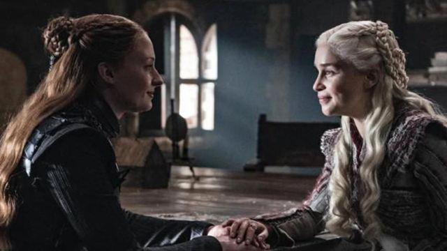 'Game of Thrones': Emilia Clarke y Sophie Turner se despiden en redes