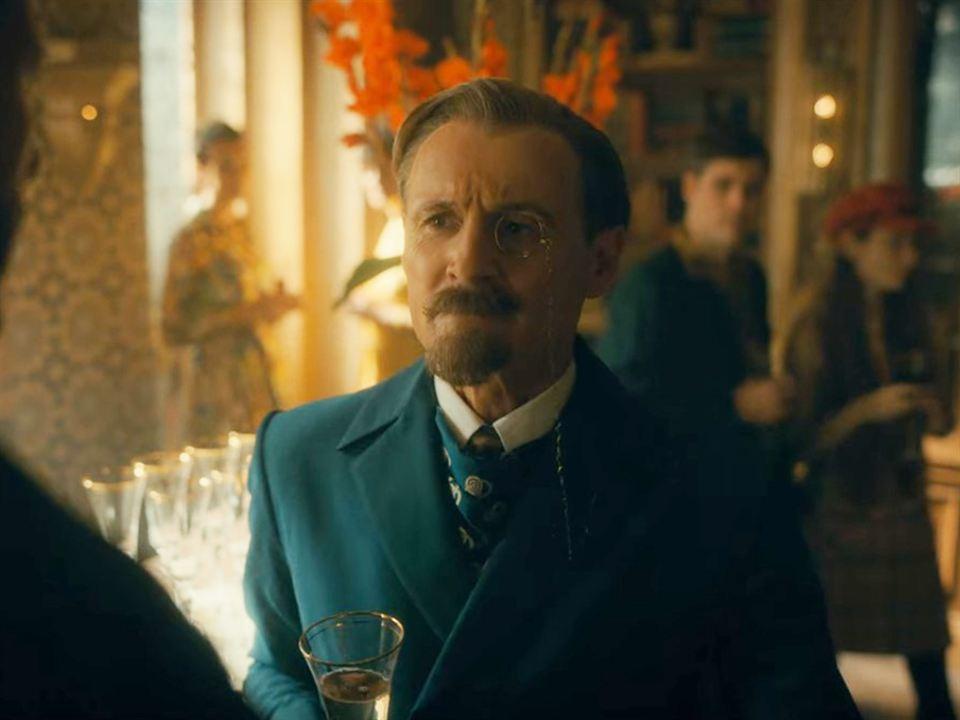 Colm Feore es Reginald Hargreeves en 'The Umbrella Academy' - Temporada 2