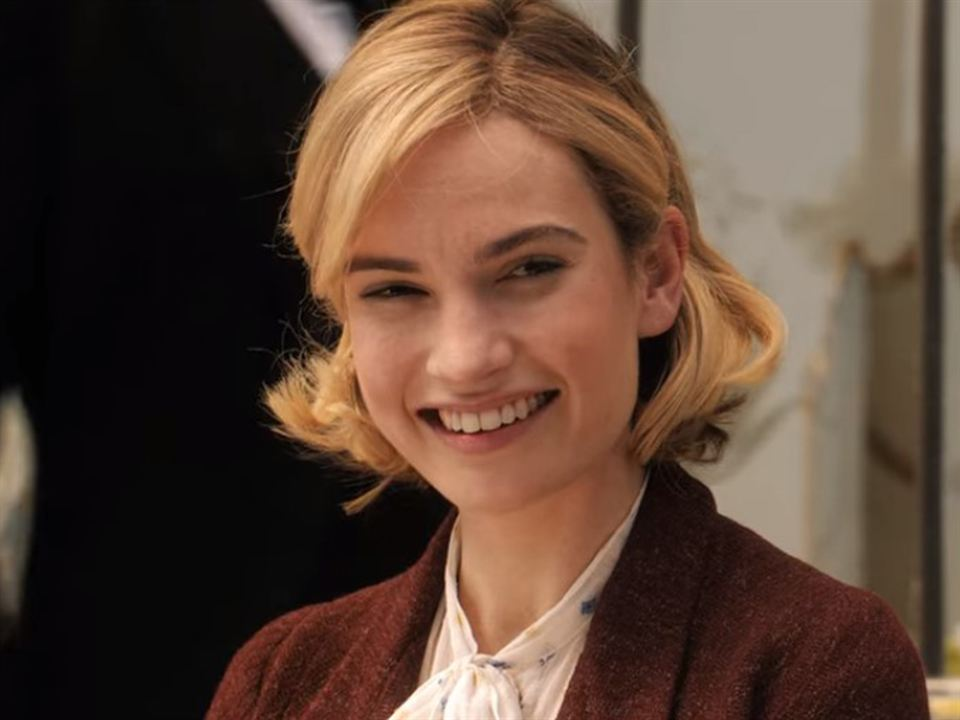 Lily James es la Señora de Winter en 'Rebecca'