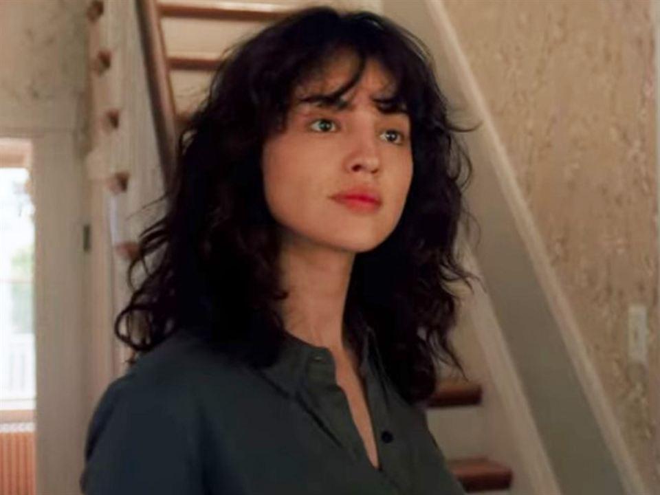 Eiza González es Frances en 'Descuida, yo te cuido'